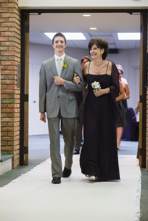 fox-hills-golf-course-trinity-presbyterian-church-wedding-plymouth-michigan-studiosnap-photograpny-weddingbee-airplane-408