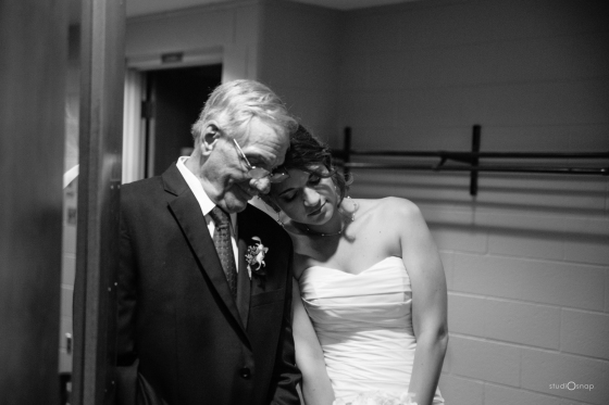 fox-hills-golf-course-trinity-presbyterian-church-wedding-plymouth-michigan-studiosnap-photograpny-weddingbee-airplane-413