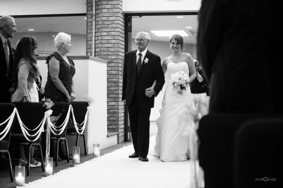 fox-hills-golf-course-trinity-presbyterian-church-wedding-plymouth-michigan-studiosnap-photograpny-weddingbee-airplane-444