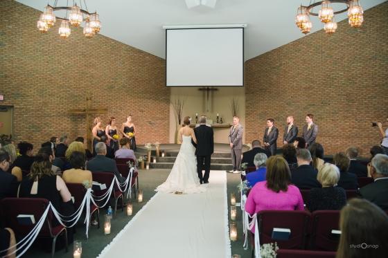 fox-hills-golf-course-trinity-presbyterian-church-wedding-plymouth-michigan-studiosnap-photograpny-weddingbee-airplane-455
