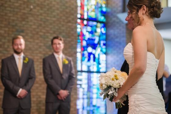 fox-hills-golf-course-trinity-presbyterian-church-wedding-plymouth-michigan-studiosnap-photograpny-weddingbee-airplane-456