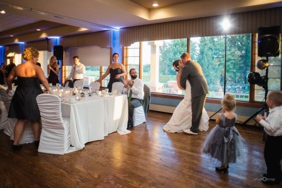 fox-hills-golf-course-trinity-presbyterian-church-wedding-plymouth-michigan-studiosnap-photograpny-weddingbee-airplane-646
