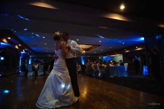 fox-hills-golf-course-trinity-presbyterian-church-wedding-plymouth-michigan-studiosnap-photograpny-weddingbee-airplane-716