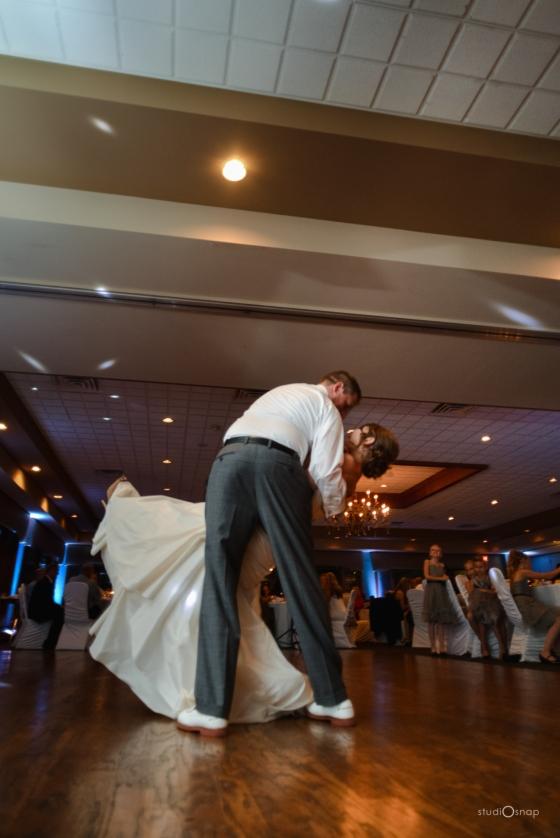 fox-hills-golf-course-trinity-presbyterian-church-wedding-plymouth-michigan-studiosnap-photograpny-weddingbee-airplane-719