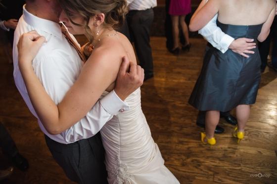 fox-hills-golf-course-trinity-presbyterian-church-wedding-plymouth-michigan-studiosnap-photograpny-weddingbee-airplane-732
