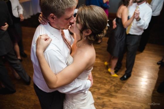 fox-hills-golf-course-trinity-presbyterian-church-wedding-plymouth-michigan-studiosnap-photograpny-weddingbee-airplane-734