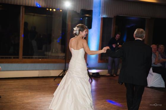 fox-hills-golf-course-trinity-presbyterian-church-wedding-plymouth-michigan-studiosnap-photograpny-weddingbee-airplane-773