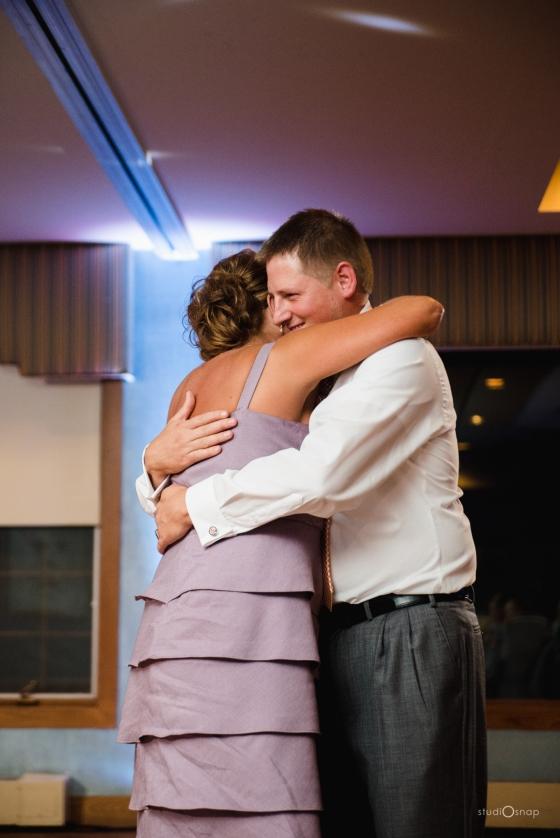 fox-hills-golf-course-trinity-presbyterian-church-wedding-plymouth-michigan-studiosnap-photograpny-weddingbee-airplane-788